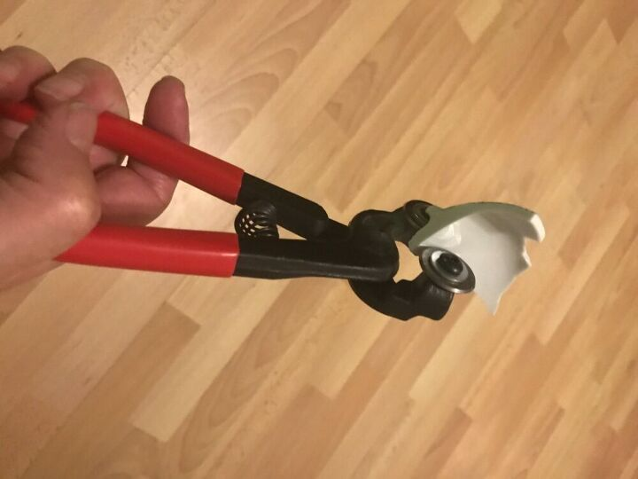 Using tile nippers on broken china