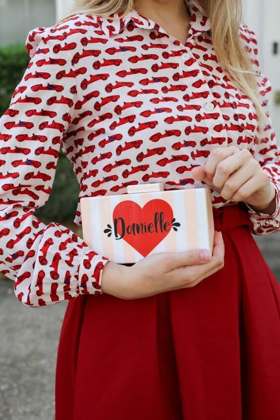 diy custom clutch for valentine s day