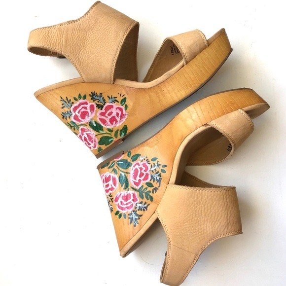 how to use stencils to refashion wedge shoes