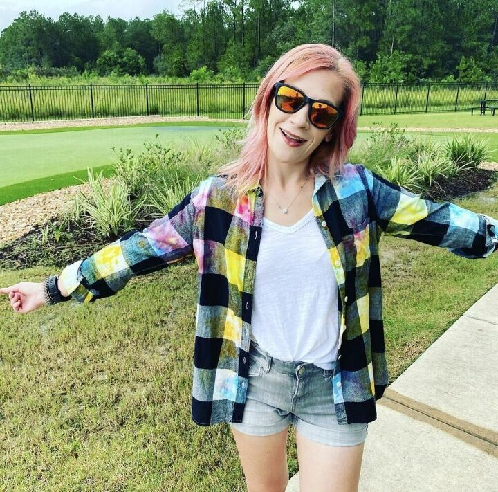 how to upcycle a flannel shirt with the ice tie dye method