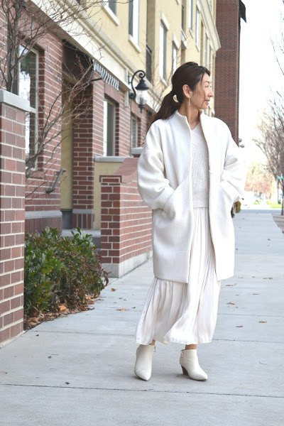 white sapporo nova coat
