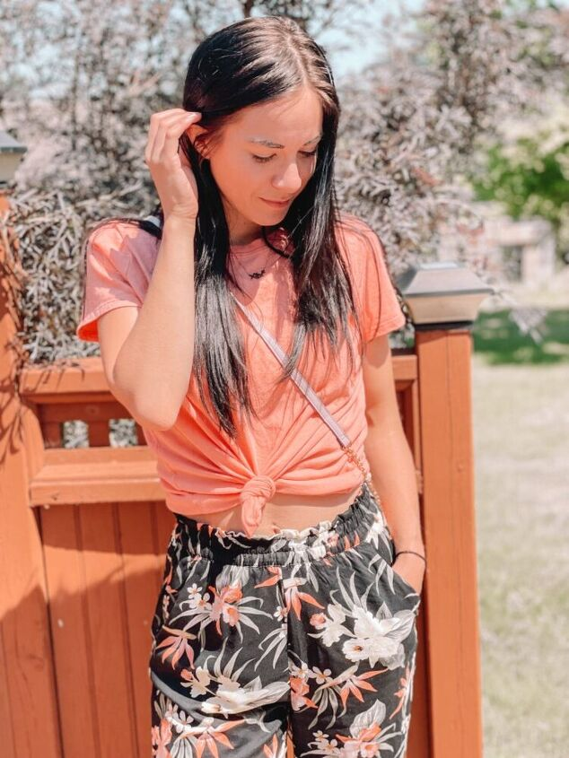 3 tops to wear i pair with floral pants on vacation
