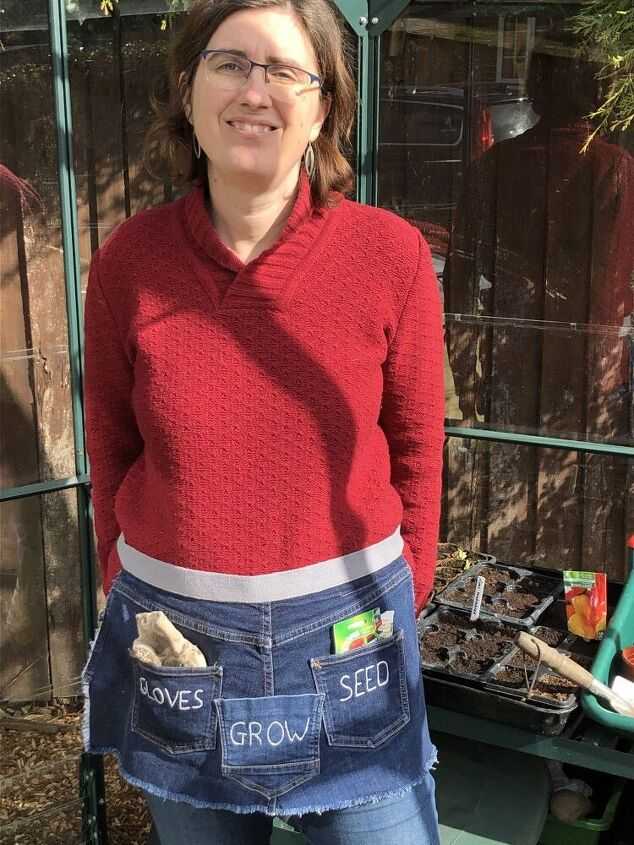 super easy denim gardening apron pattern