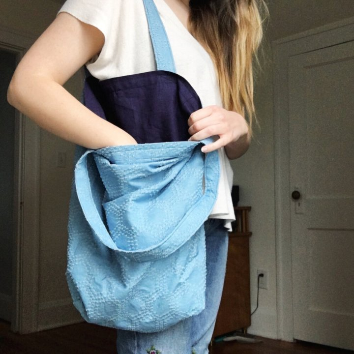 bag lady reviewing the costa tote from helen s closet