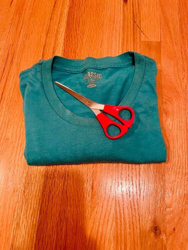 upcycle tshirt into workout shirt jersey girl knows best
